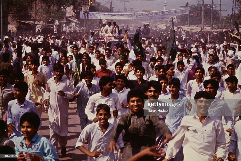 Nawaz Sharif (background), leader of the Islami Jamhoori Ittehad or Islamic Democratic Alliance (IJI or IDA), campaigning in the run-up to the Pakistani General Election, Pattoki, Pakistan, 13-14th October 1990.