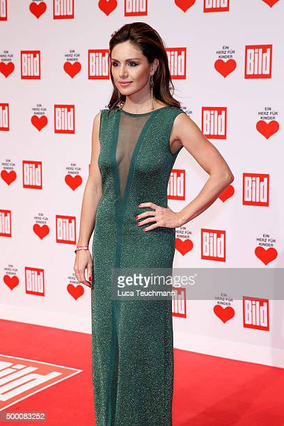 Nazan Eckes arrives for the Ein Herz Fuer Kinder Gala 2015 at Tempelhof Airport on December 5, 2015 in Berlin, Germany.