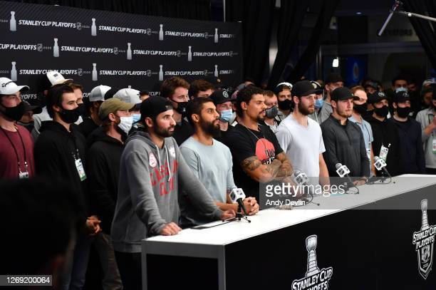 Nazem Kadri of the Colorado Avalanche, Pierre-Edouard Bellemare of the Colorado Avalanche, Ryan Reaves of the Vegas Golden Knights, Jason Dickinson...
