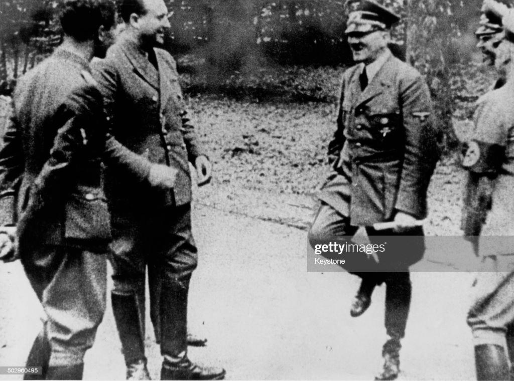 Hitler At Compiègne : News Photo
