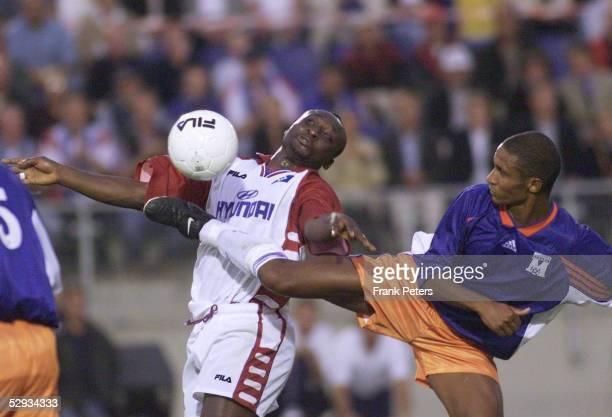 Finale 1999 Rueckspiel Hamburg HAMBURGER SV MONTPELLIER 14 nE Anthony YEBOAH/Hamburger SV Franck SYLVESTRE/Montpellier