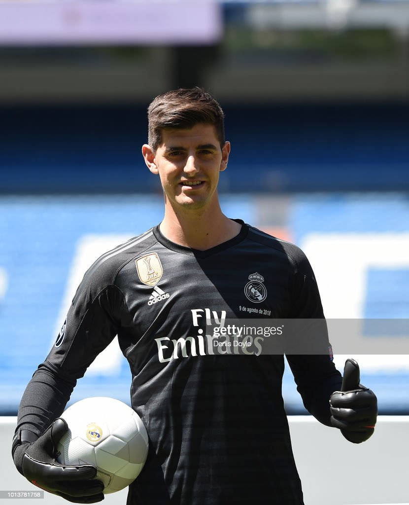 Ne w signing Thibaut Courtois of Real Madrid is presented to fans after he signed a six-year-deal with Real Madrid at Estadio Santiago Bernabeu on August 9, 2018 in Madrid, Spain.