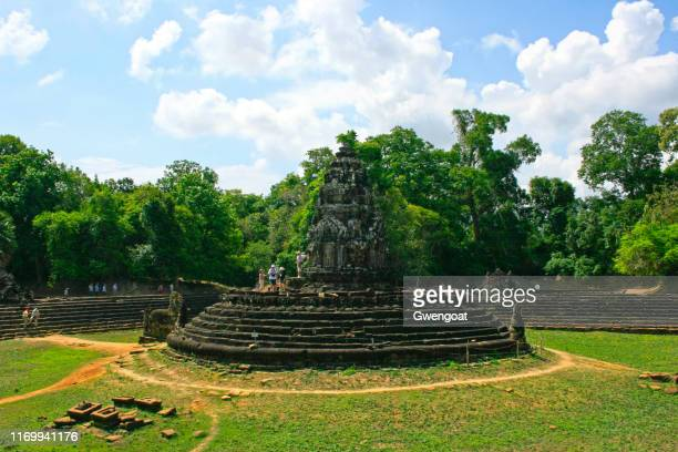 neak pean in siem reap - gwengoat stock pictures, royalty-free photos & images