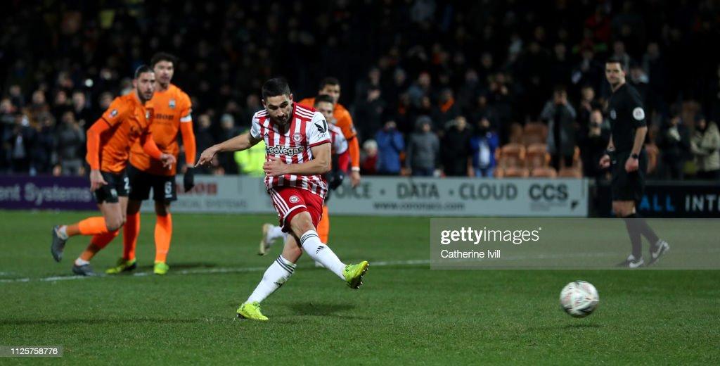 Barnet v Brentford - FA Cup Fourth Round : News Photo