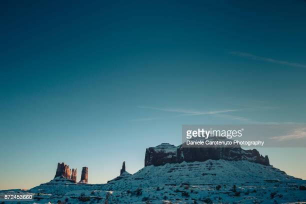 near the mexican hat - daniele carotenuto stock pictures, royalty-free photos & images