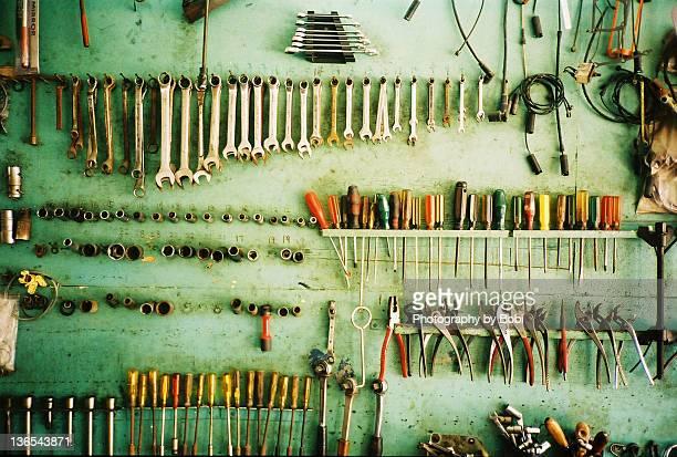 Neat car repair tools