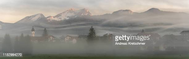 nebelwellen - bayern stock pictures, royalty-free photos & images