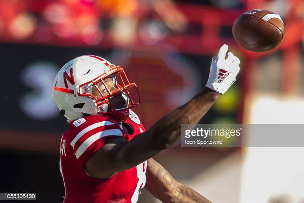 Nebraska Cornhuskers wide receiver Stanley Morgan Jr reaches for the ball just off of his fingertips during the game between the BethuneCookman...