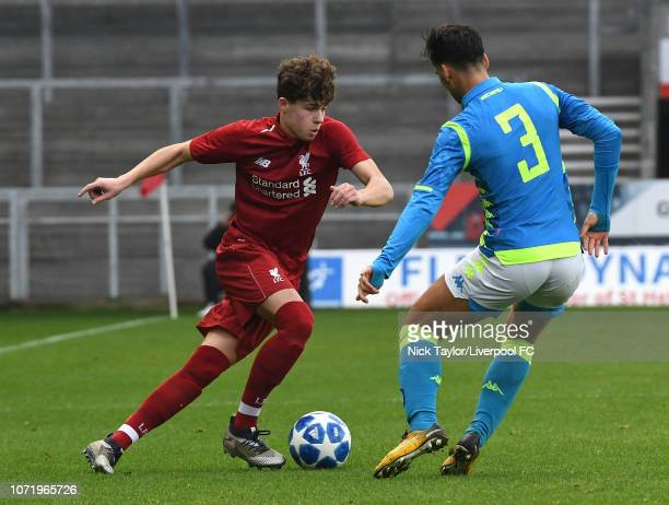 Neco Williams of Liverpool and Giovanni Calvano of SSC Napoli in action during the UEFA Youth League match between Liverpool and SSC Napoli at...