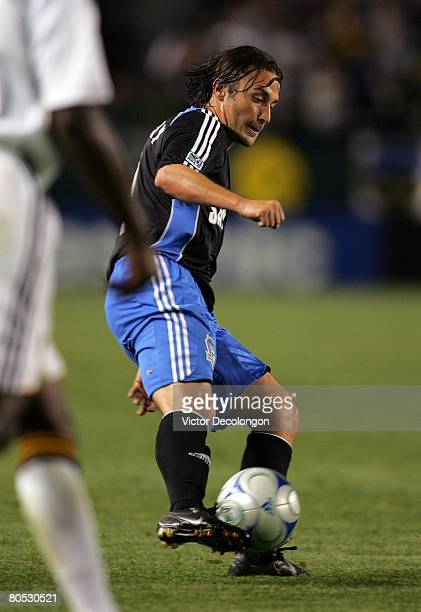 Ned Grabavoy of the San Jose Earthquakes plays the ball in the second half during their MLS game against the Los Angeles Galaxy at the Home Depot...