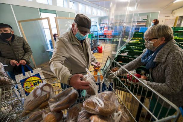 DEU: Coronavirus Pandemic Exacerbates Poverty Situation