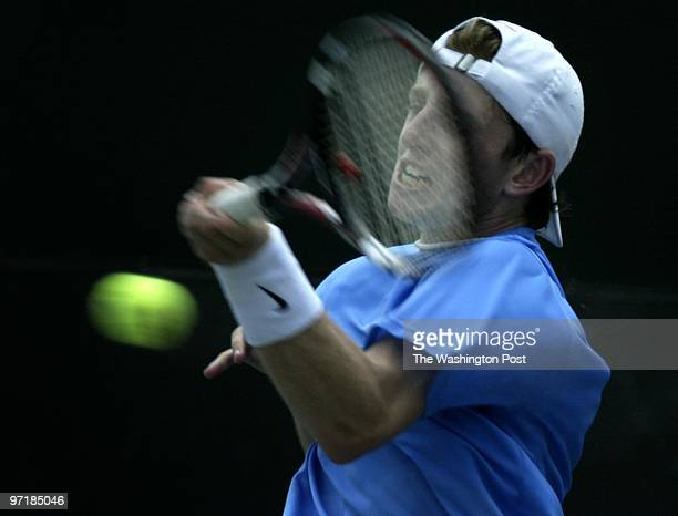 Neg#:144626 Photog:Preston Keres/TWP Woodmont Country Club, Rockville, Md. First seed Jesse Levine returns a serve during second round action at the...