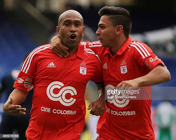 Neider Morantes of America de Cali celebrates after scoring the second goal of his team during a match between Depor FC and America de Cali as part...