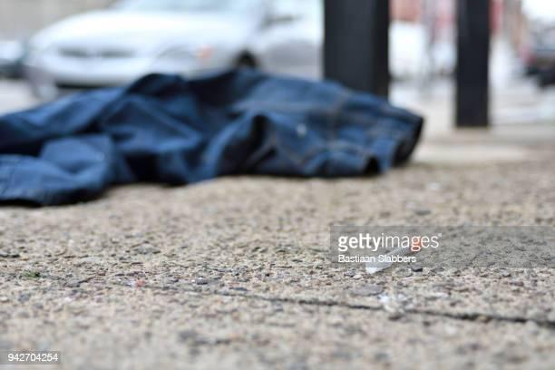 neighborhood street scenes in kensington, philadelphia, pa - crisis stock pictures, royalty-free photos & images
