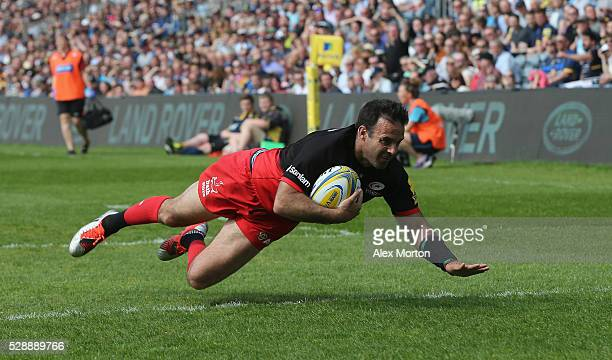 Neil De Kock of Saracens scores their first try during the Aviva Premiership match between Worcester Warriors and Saracens at Sixways Stadium on May...