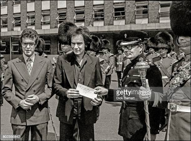 Neil Diamond at Chelsea Barracks London 1977
