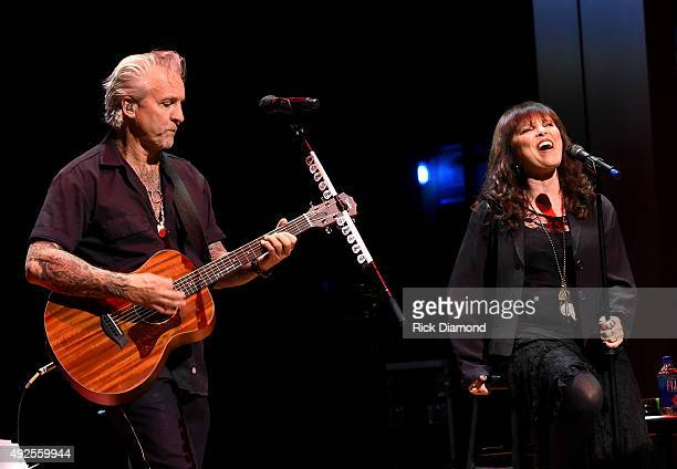 Neil Giraldo and Pat Benatar perform onstage at the IEBA Honors Awards Ceremony during the IEBA 2015 Conference Day 3 on October 13 2015 in Nashville...
