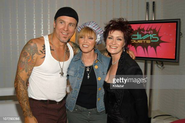 Neil Giraldo Pat Benatar and Sharon Osbourne during VH1 Divas Duets A Concert to Benefit the VH1 Save the Music Foundation Audience and Backstage at...