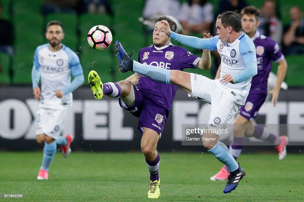 Neil Kilkenny of Melbourne City and Chris Harold of Perth Glory compete for the ball during the A-League Elimination Final match between Melbourne City FC and the Perth Glory at AAMI Park on April 23, 2017 in Melbourne, Australia.