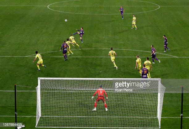 Neil Kilkenny of the Glory controls the ball during the round 21 A-League match between Perth Glory and Wellington Phoenix at Bankwest Stadium on...