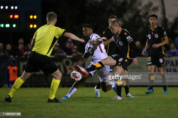 Neil Kilkenny of the Glory passes the ball during the FFA Cup Round of 32 match between Perth Glory and the Western Sydney Wanderers FC at Dorrien...