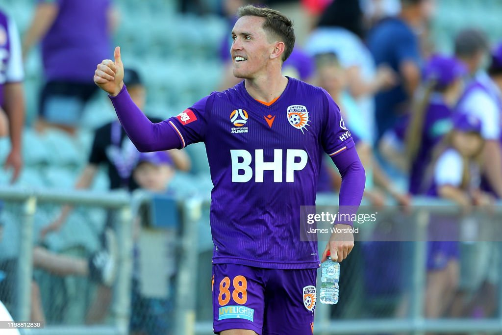 A-League Rd 14 - Perth v Adelaide : News Photo