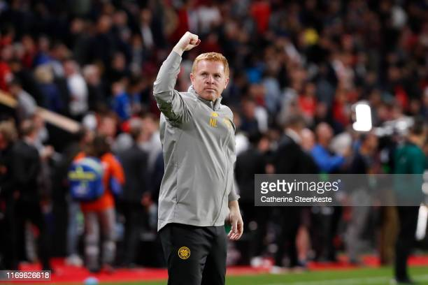 Neil Lennon Head Coach of Celtic FC thanks the fans after the UEFA Europa League group E match between Stade Rennes FC and Celtic FC at Roazhon Park...