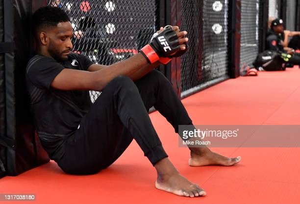 Neil Magny warms up prior to his fight during the UFC Fight Night event at UFC APEX on May 08, 2021 in Las Vegas, Nevada.