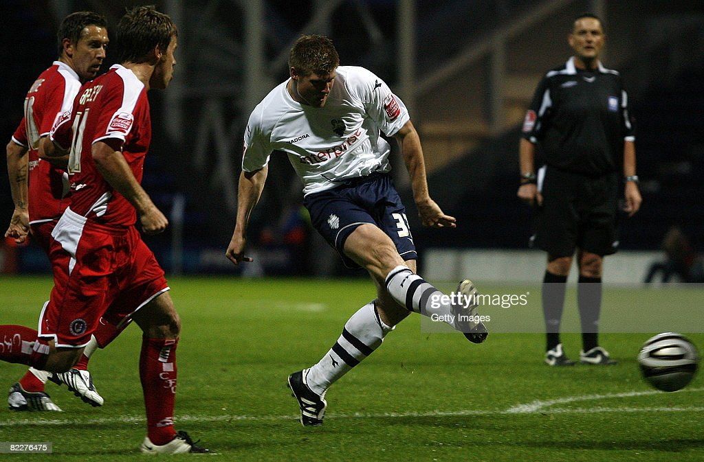 Preston North End v Chesterfield - Carling Cup : News Photo