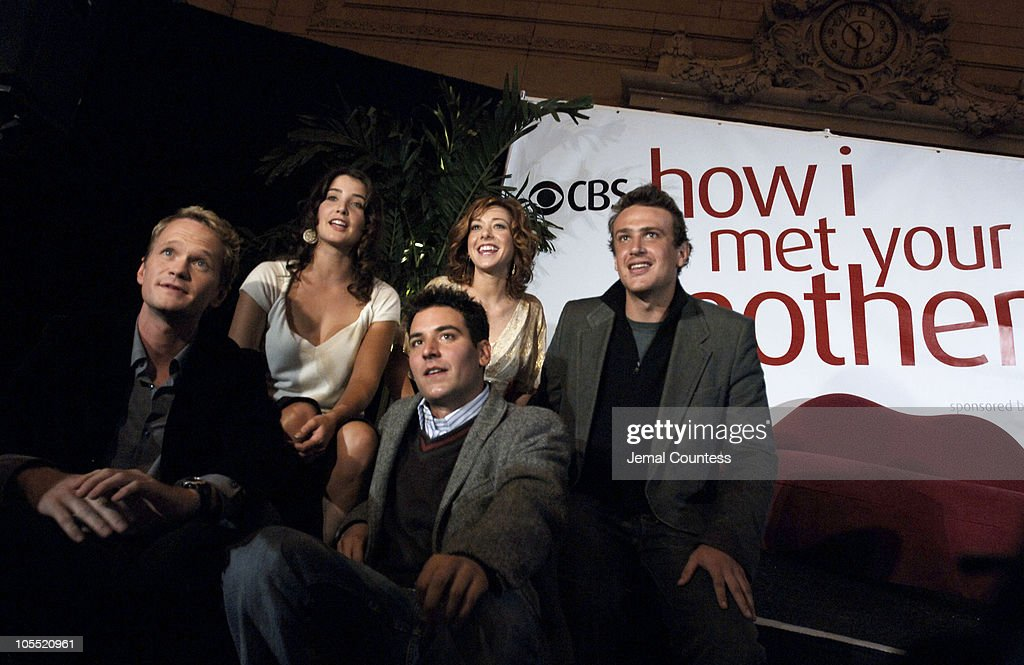 "The Cast of ""How I Met Your Mother"" Host ""Speed Dating at Grand Central"" : News Photo"