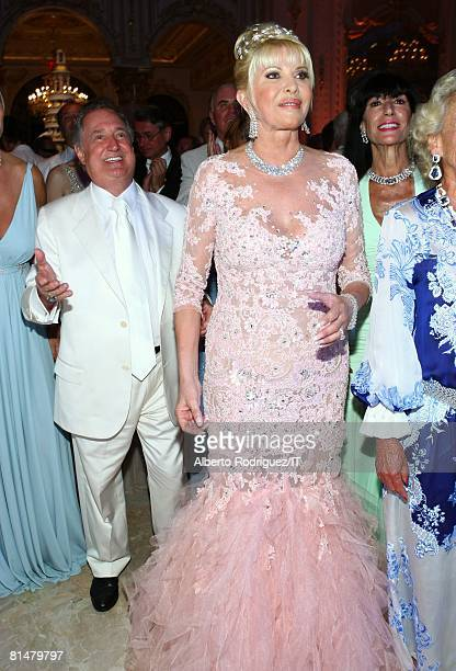 RATES Neil Sedaka and Ivana Trump during the reception for the wedding of Ivana Trump and Rossano Rubicondi at the MaraLago Club on April 12 2008 in...