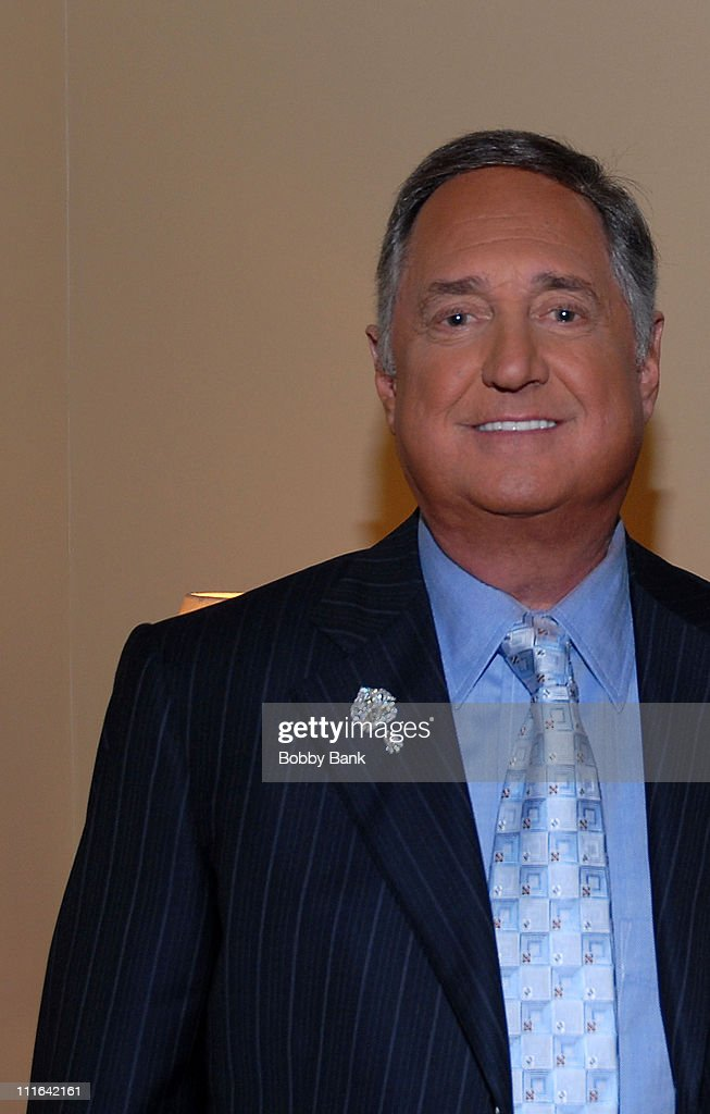 Neil Sedaka Celebrates 50 Years of Hits - Inside