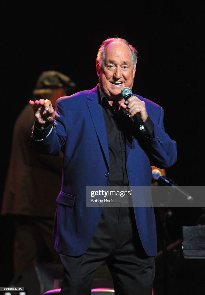 Neil Sedaka In Concert - New Brunswick, NJ