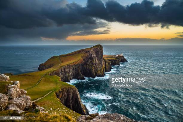 neist point lighthouse in scotland, uk - western isles stock pictures, royalty-free photos & images