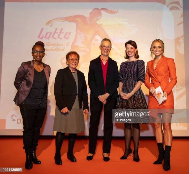 Nele Schenker Marion Schaefer Meghan Gregonis and Shary Reeves look on during the Lotte Price 2019 on November 8 2019 in Wuerzburg Germany