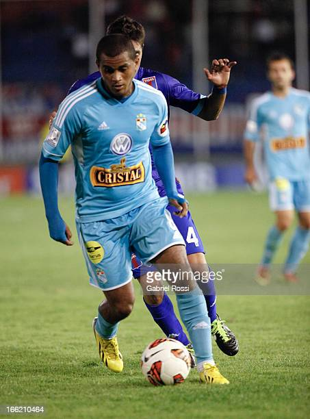 Nelinho Quina of Sporting Cristal in action during a match between Club Atletico Tigre and Sporting Cristal as part of the Copa Bridgestone...