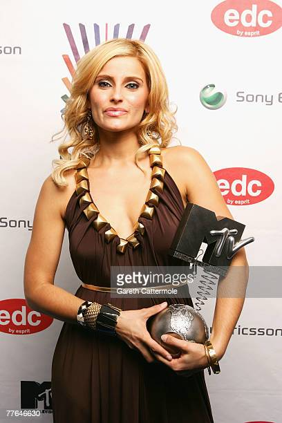 Nelly Fertado poses in the Awards Room with her awrad for Albulm of the Year during the MTV Europe Music Awards 2007 at the Olympiahalle on November...