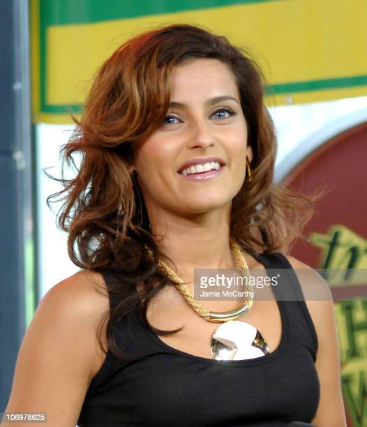 Nelly Furtado during Tom Cruise Kanye West Nelly Furtado Jeremy Piven Twista and Keyshia Cole Visit MTV's TRL May 3 2006 at MTV Studios in New York...
