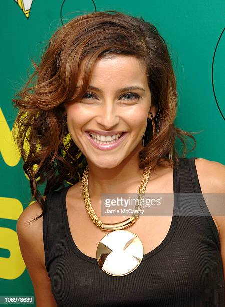 "Nelly Furtado during Tom Cruise, Kanye West, Nelly Furtado, Jeremy Piven, Twista and Keyshia Cole Visit MTV's ""TRL"" - May 3, 2006 at MTV Studios in..."