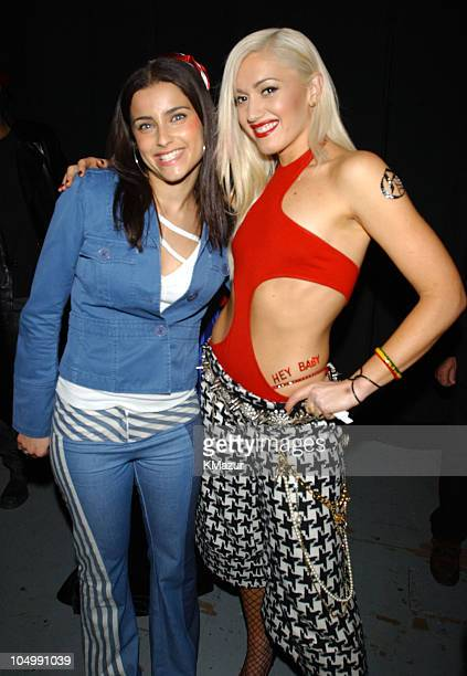 Nelly Furtado & Gwen Stefani pose backstage at the My VH-1 Music Awards 2001 at the Shrine Auditorium in Los Angeles, California.