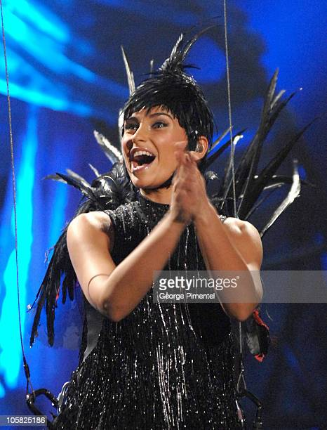 Nelly Furtado host opens the 2007 Juno Awards by flying down as a bird singing her hit song 'I'm Like a Bird'