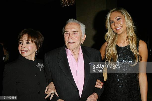 Nelly Mcqueen Kirk Douglas and granddaughter Molly Flattery