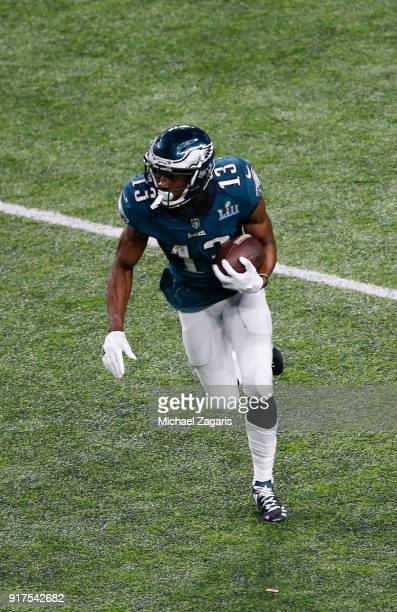 Nelson Agholor of the Philadelphia Eagles makes a reception for an 18yard gain during the game against the New England Patriots in Super Bowl LII at...