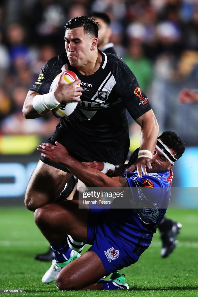Nelson Asofa-Solomona of the Kiwis charges forward during the 2017 Rugby League World Cup match between the New Zealand Kiwis and Samoa at Mt Smart Stadium on October 28, 2017 in Auckland, New Zealand.