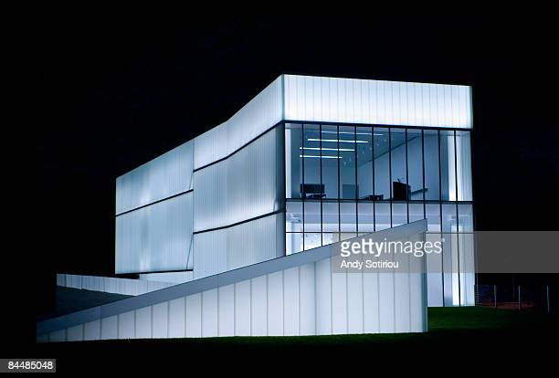 nelson atkins museum of art, night shot - kansas city kansas stock pictures, royalty-free photos & images