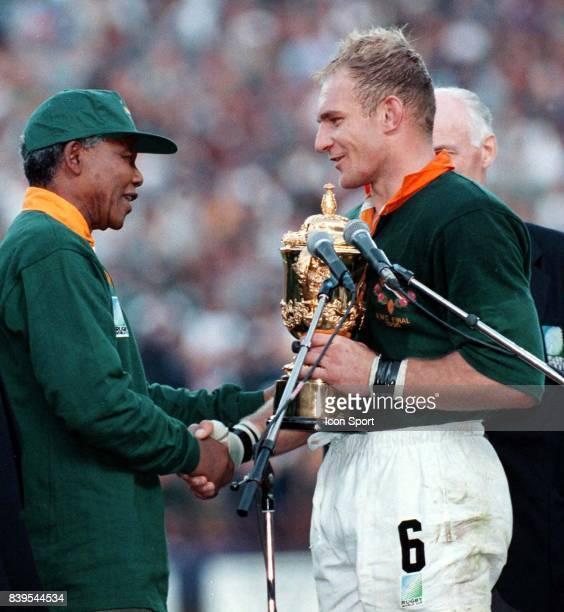 Nelson MANDELA / Francois PIENAAR - - Afrique du sud / Nouvelle Zelande - Finale de la coupe du monde de rugby 1995,