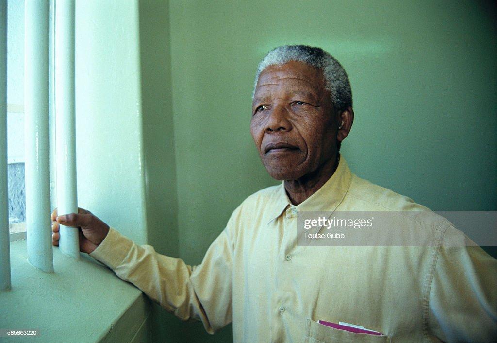 A Touch of Mandela - Mandela's Robben Island Paintings Auction : Nachrichtenfoto