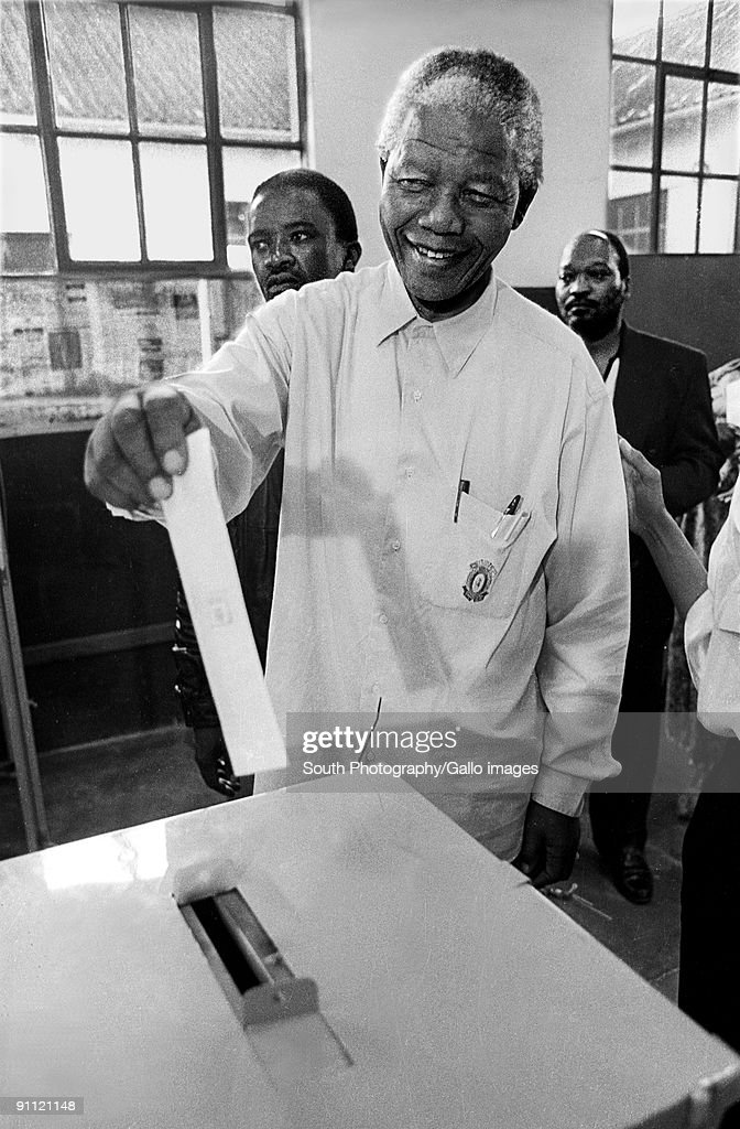 Nelson mandela votes for the first time in his life, Ohlange school, Inanada, march 26 1994