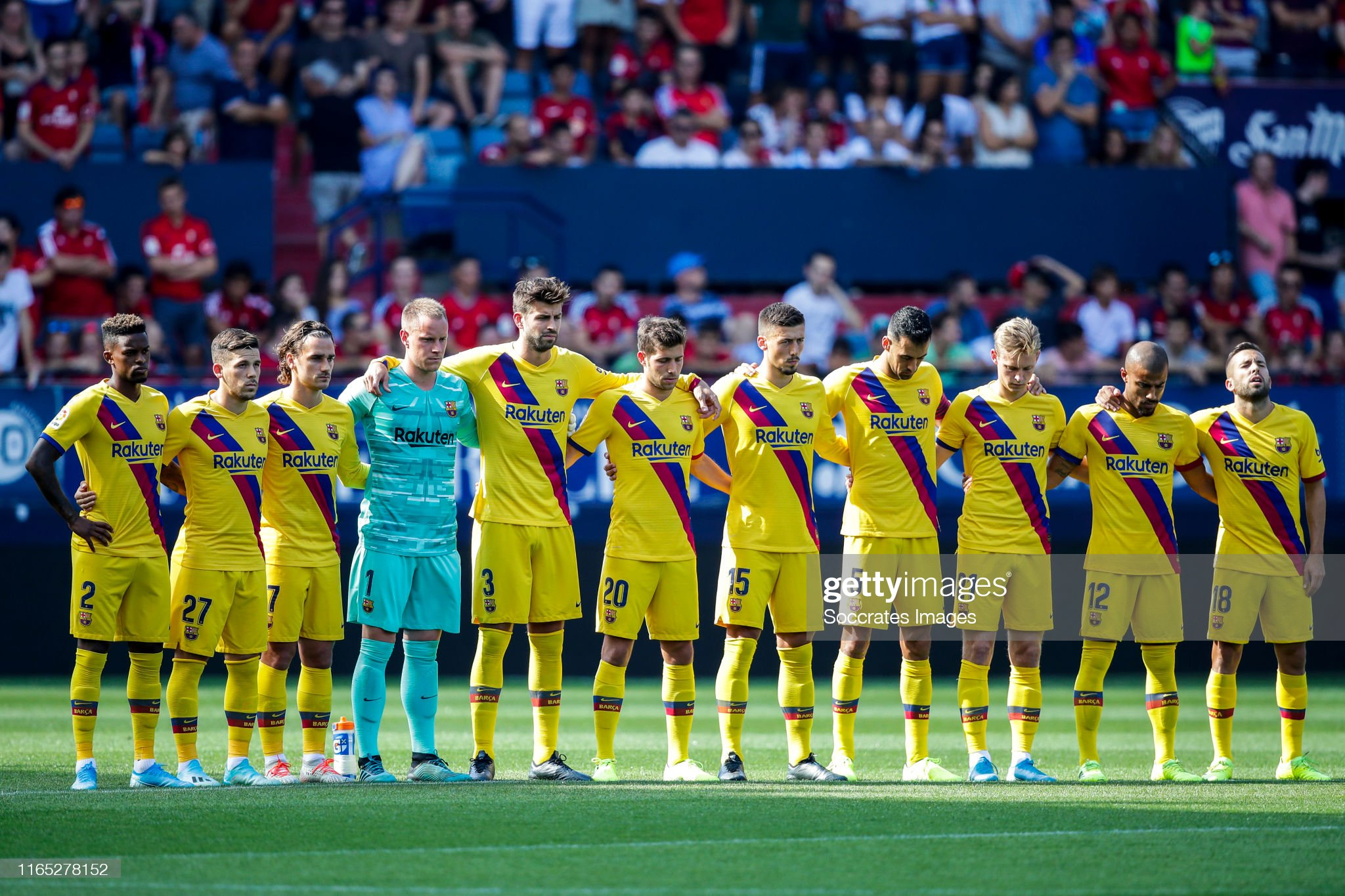 صور مباراة : أوساسونا - برشلونة 2-2 ( 31-08-2019 )  Nelson-semedo-of-fc-barcelona-carles-perez-of-fc-barcelona-antoine-picture-id1165278152?s=2048x2048