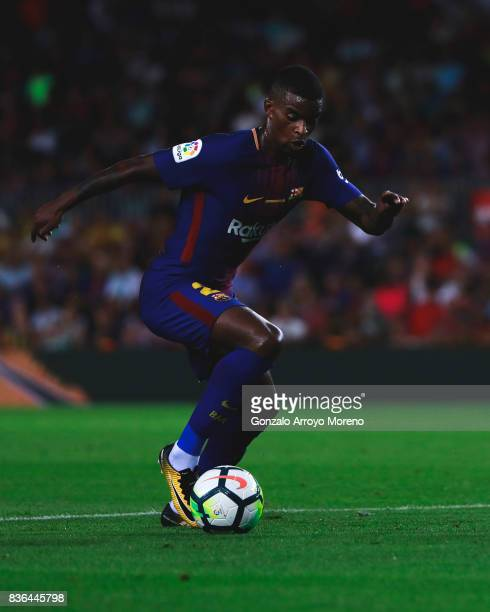 Nelson Semedo of FC Barcelona controls the ball during the La Liga match between FC Barcelona and Real Betis Balompie at Camp Nou stadium on August...